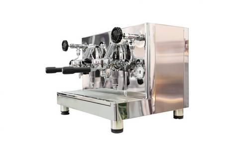 Glitzernde große italienische Espressomaschine